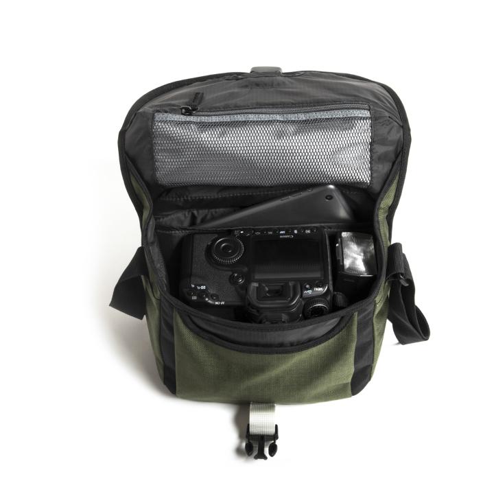 PR2500-006 - Crumpler Proper Roady 2.0
