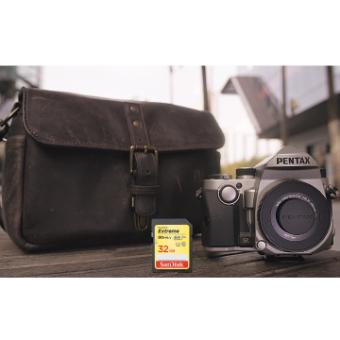 Pentax KP Urban Kit (Silver) incl DA 40mm f/2.8 XS Lens ONA Bowery Truffle & Sandisk 32GB