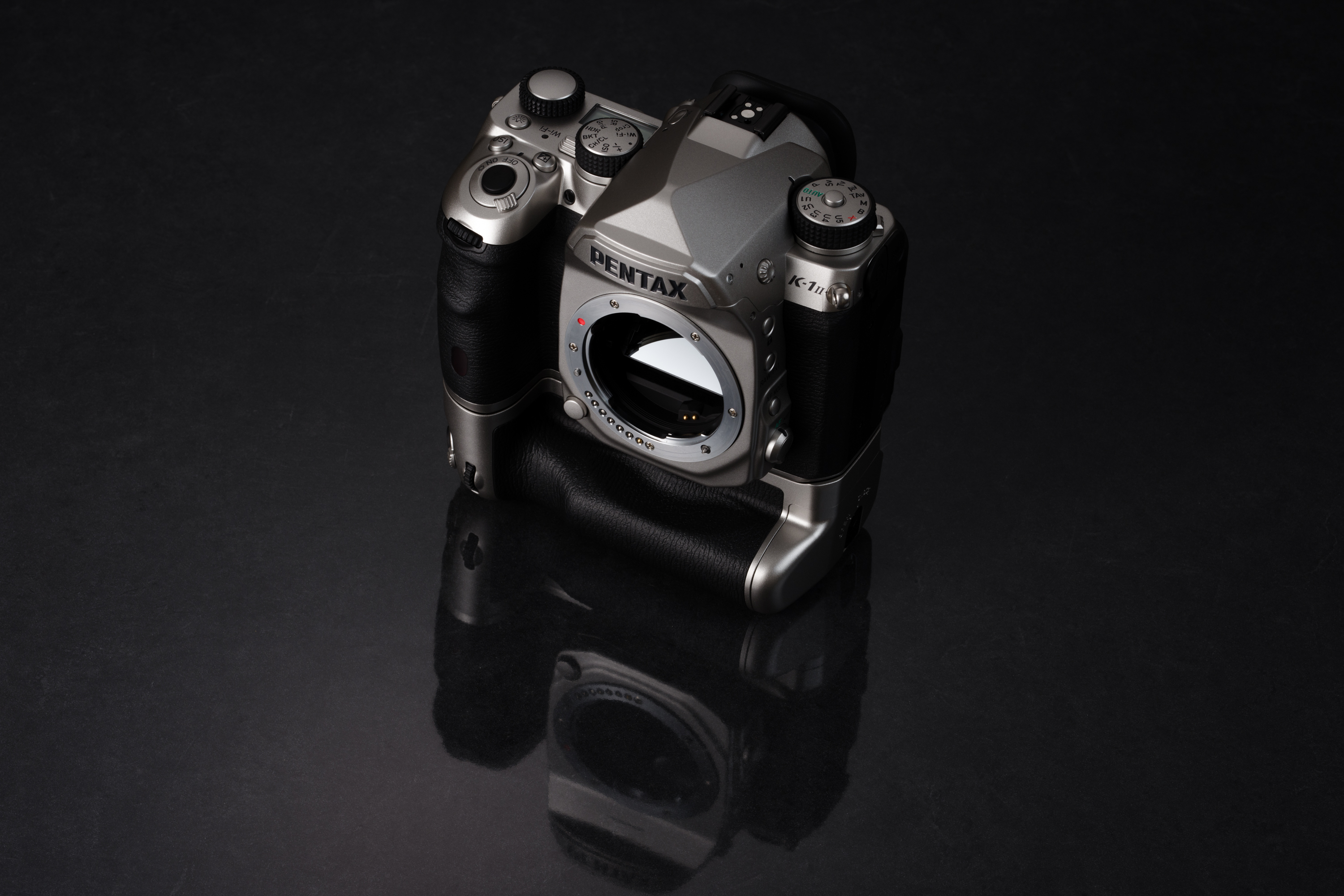 Pentax K1_Silver_Edition